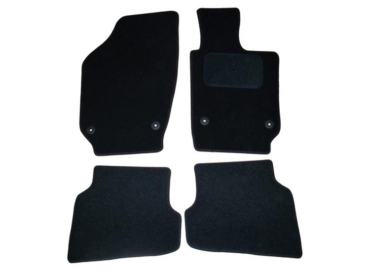 Halfords Fully Tailored Black Mat Set For VW Polo Mk5 09-17 With Round Fixing Clips